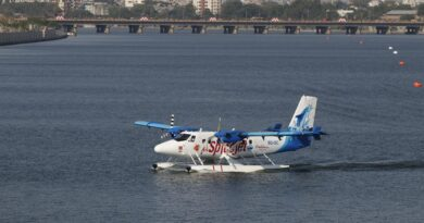 Seaplane service starts